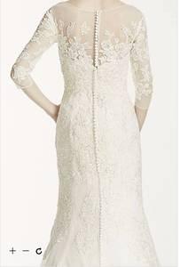BEAUTIFUL David's bridal lace wedding dress!! (vineyard)