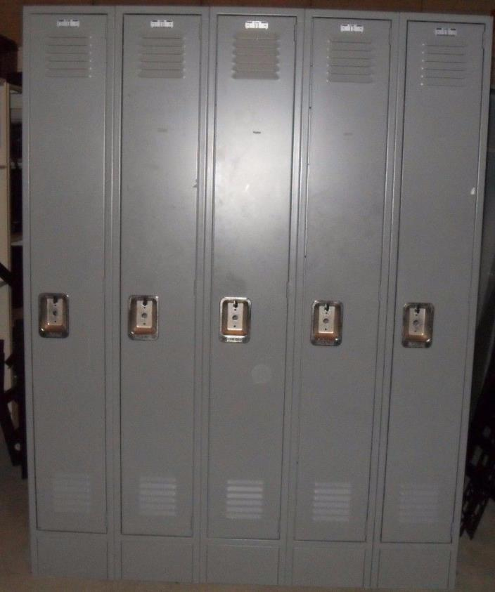 Gym Locker 5 Door Lyon Metal School Business Industrial Gym Locker, Wonderful!