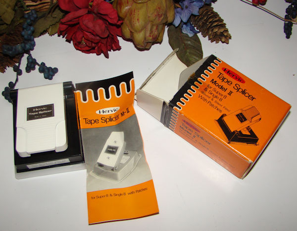 VINTAGE HERVIC TAPE SPLICER MODELII FOR SUPER 8 & SINGLE  INSTUCTIONS & BOX
