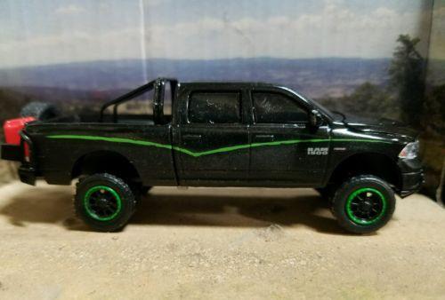 2014 1/64  DODGE RAM mud tires 4x4  Truck Ertl farm Cummins DCP diesel Sport