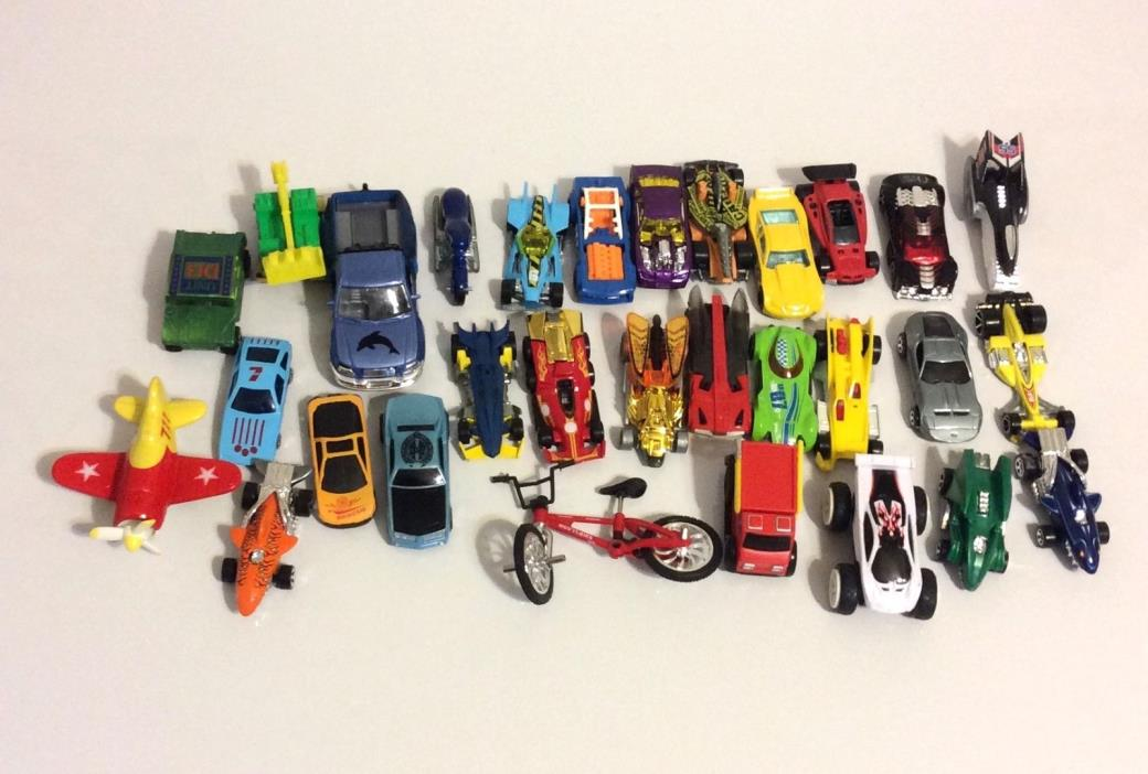 HOT WHEELS AND OTHER COMPANIES, DIE CAST AND PLASTIC, LOT OF 30 CARS BIKE PLANE