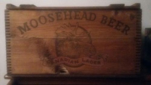 vintage moosehead beer wooden crate