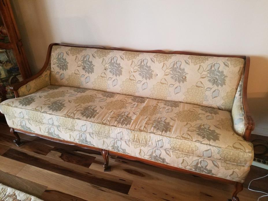 French Provincial Couch - For Sale Classifieds