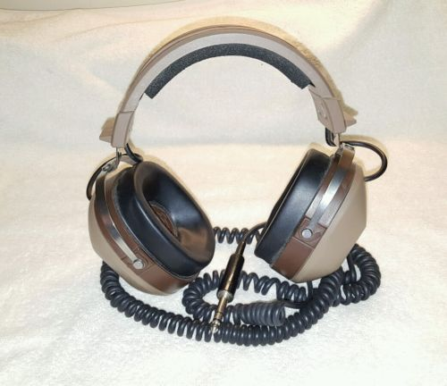 Realistic PRO 20 Stereo Headphones Vintage TESTED FREE SHIPPING