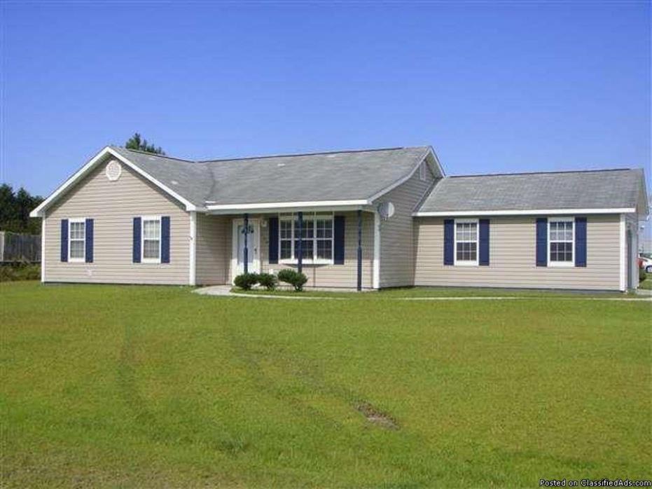 139 Parnell Rd, Hubert, NC 28539