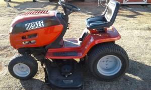 Huskee garden tractor (Meeker)