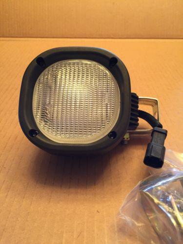 John Deere Work Lights PN At399788 12v New With Brackets