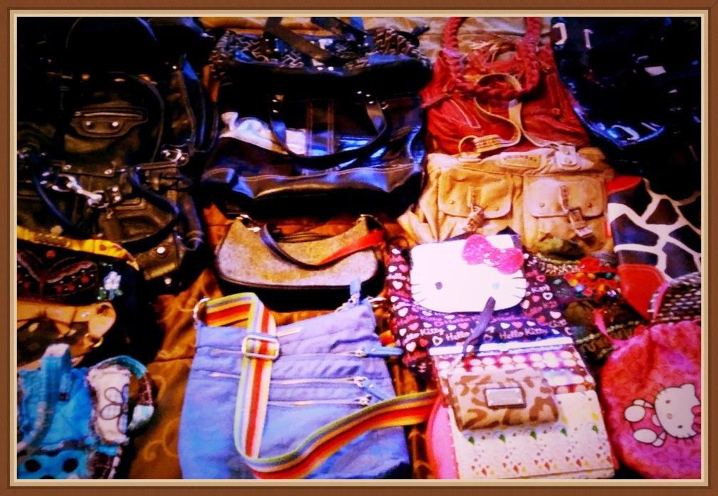 21 Purses//Handbags/Wallets Lot