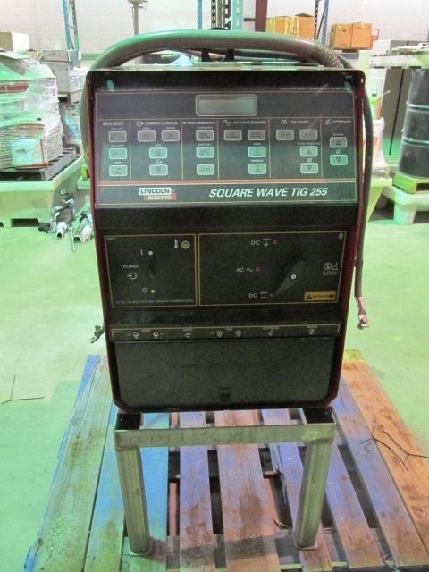 Lincoln Electric Square Wave Tig 255 Arc Welding Unit
