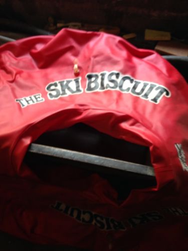 The SKI BISCUIT LARGE Red Water TUBE - NICE  CONDITION