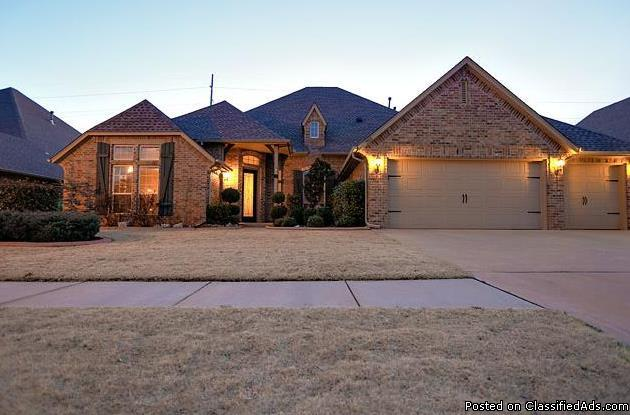 **Enhanced Price** Beautiful Home In Morgan Creek Addition!