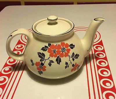 vintage Hall Red Poppy Teapot