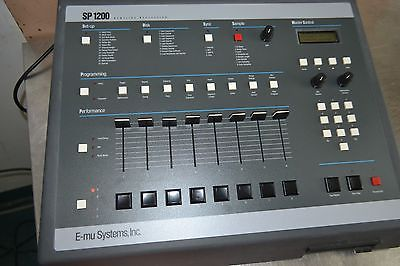 E-MU SP1200 Sampler / Sequencer / Drum Machine SP-1200 Close to MINT