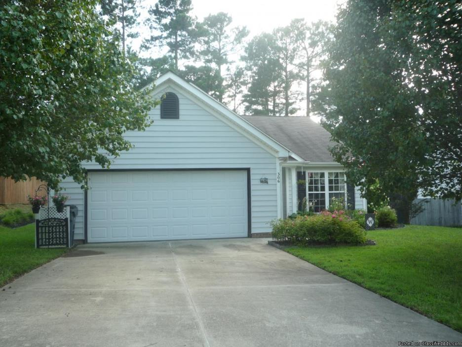 3 Bedroom, 2 Bath, 2 car garage APEX NC