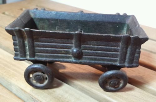 Cast Iron Antique Vintage Farm Horse Tractor Rolling Wagon