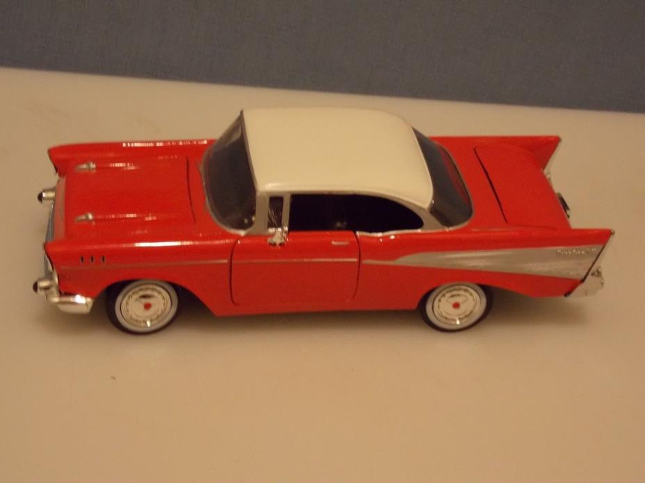 1957 CHEVY BEL AIR, 1:24 SCALE, 2 DR, HT, RED IN COLOR