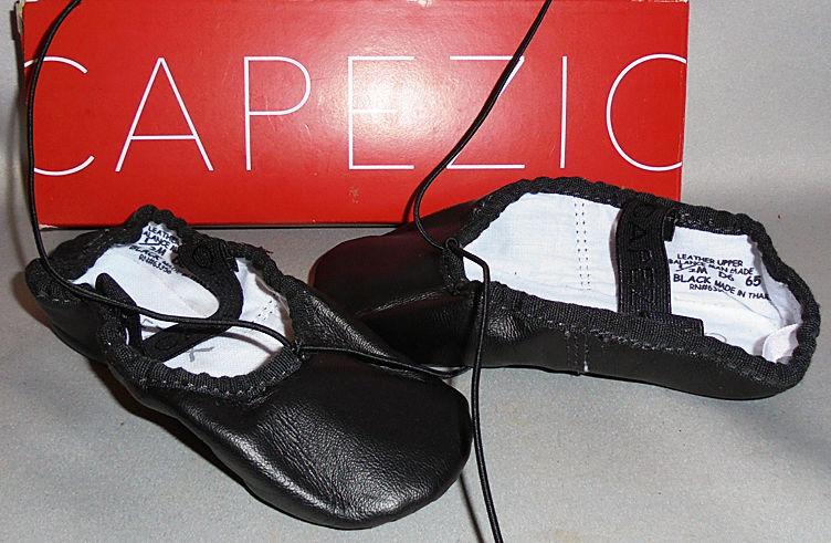 MIB -Capezio- Toddler Boy's Black Ballet Dance Shoes/Slippers - Size 8.5