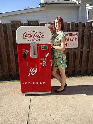 Vendo 39 American Icon Cola Cola Coke Machines Professional Restoration 81