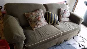 free couch (Roseville)