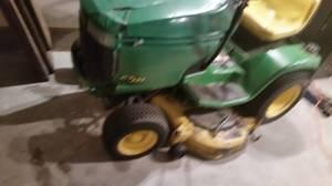 John Deere riding lawn mower (Bemidji 56601)