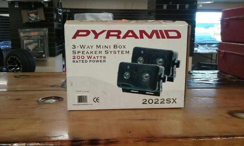 Pair of Pyramid 2022SX 3.75