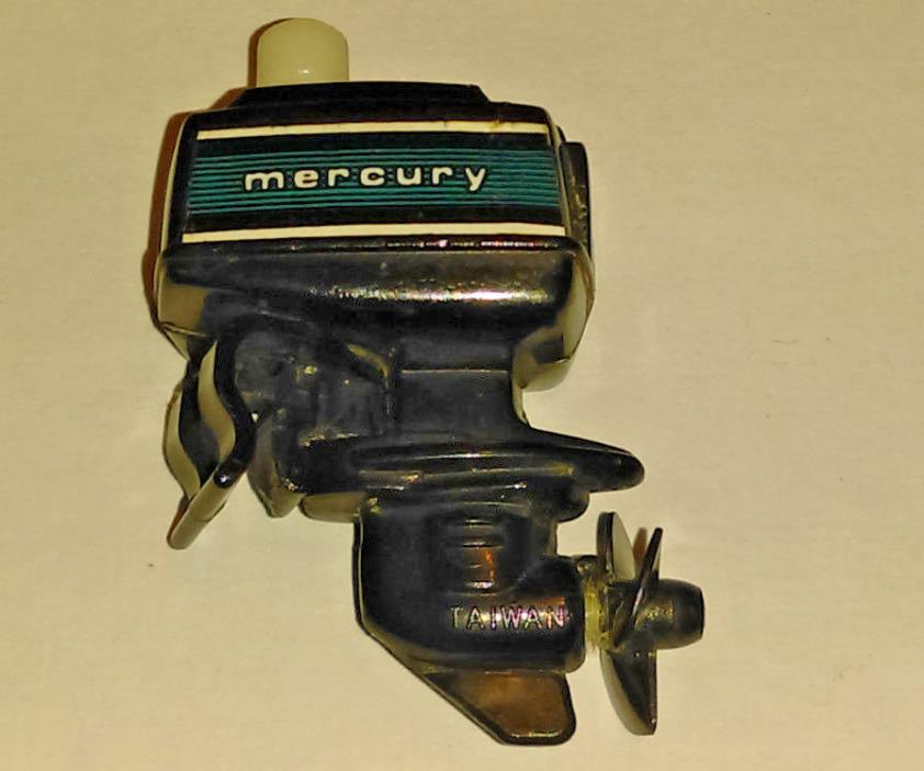 VINTAGE Plastic TOMY Wind Up MERCURY BOAT MOTOR 1978 Works MINIATURE OUT BOARD