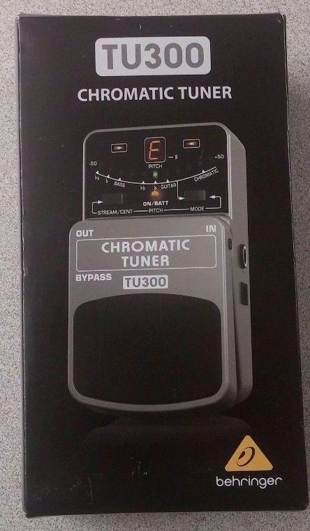 Behringer TU300 Chromatic Ultimate Guitar/Bass Tuner