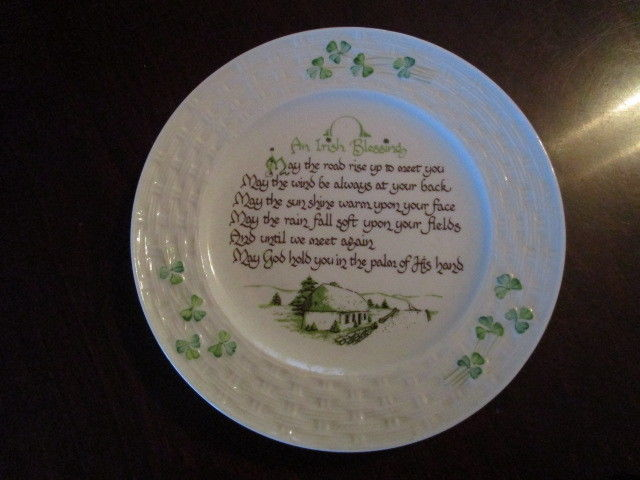 BEAUTIFUL Vtg Belleek Pottery AN IRISH BLESSING PLATE - Discontinued