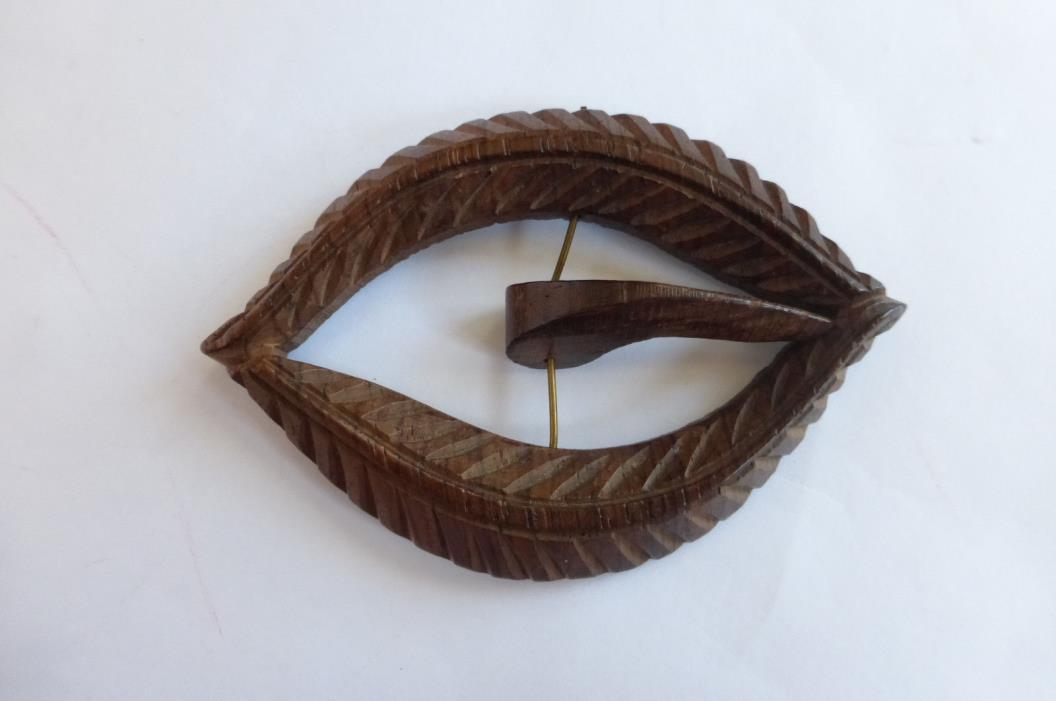 Antique Vintage Carved Wooden Belt / Sash Buckle Edwardian Dress Trim Leaves