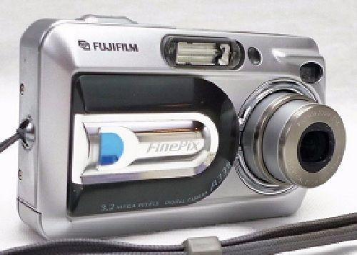 Fujifilm Finepix A330 Digital Camera 3.2 MP 3X Zoom Silver Works