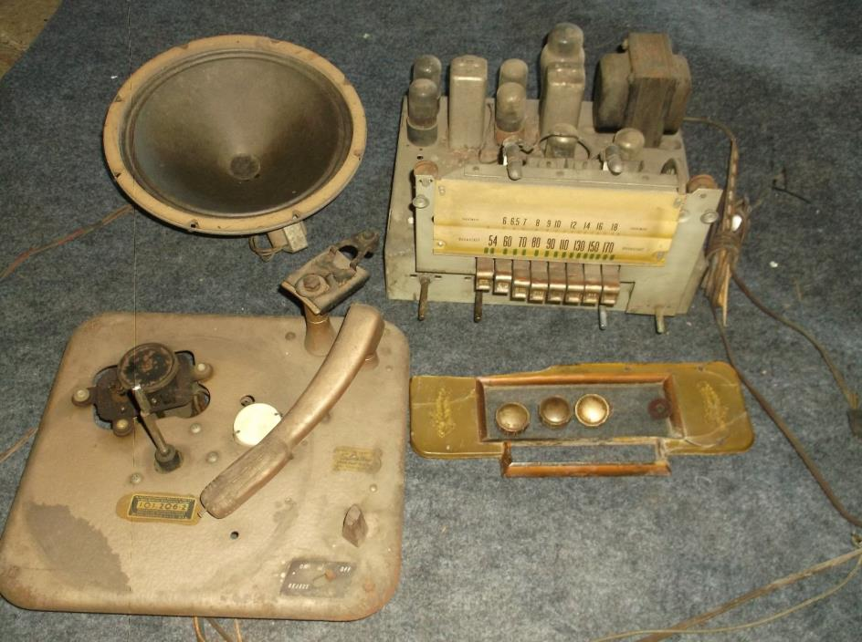 ANTIQUE SILVERTONE TUBE RADIO - RECORD PLAYER PARTS LOT