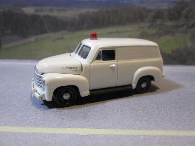 1950  '50   CHEVY PANEL DELIVERY VAN with LIGHT  (white)  1/64  S SCALE DIE-CAST