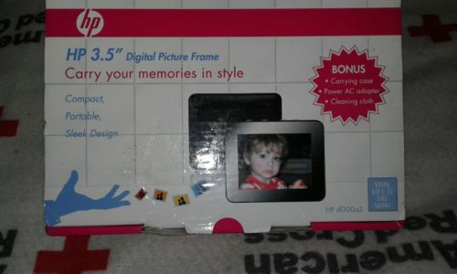 HP 3.5 in. Digital Picture Frame ( Compact size)
