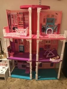 Barbie Dream House (Cheltenham)
