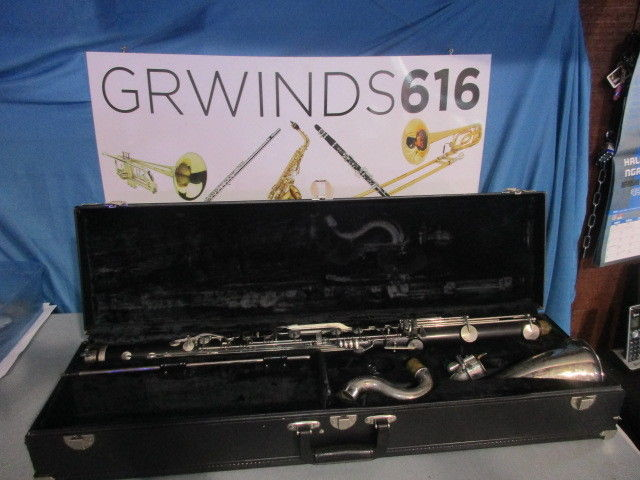 vito plastic bass clarinet