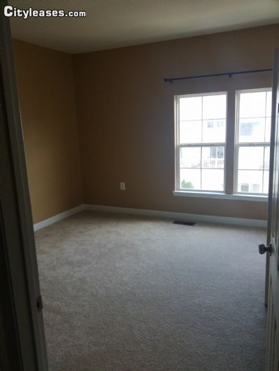 $900 One room for rent in Ashburn