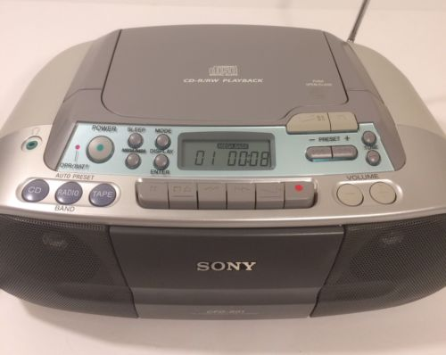 Sony Boombox Portable Cassette CD-R/RW Player FM AM Stereo Radio CFD-S01