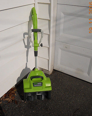 USED GREENWORKS 8 AMP ELECTRIC SNOW SHOVEL LOCAL PICKUP ONLY BOX MANUAL