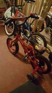 2 Bicycles Baby Crib/walkers