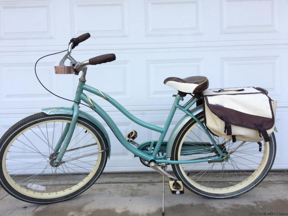 Womens Huffy Regatta Beach Cruiser