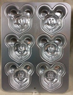 New Wilton Disney MICKEY MOUSE Small Individual Cake Pan Aluminum