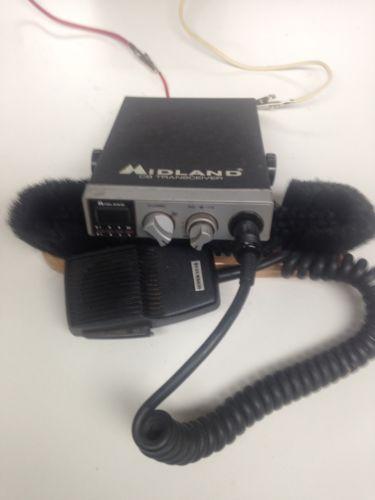 MIDLAND 77-104 CB RADIO WITH SUPERSTAR MIC