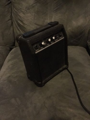 Small Electric Guitar Amplifier GM-05
