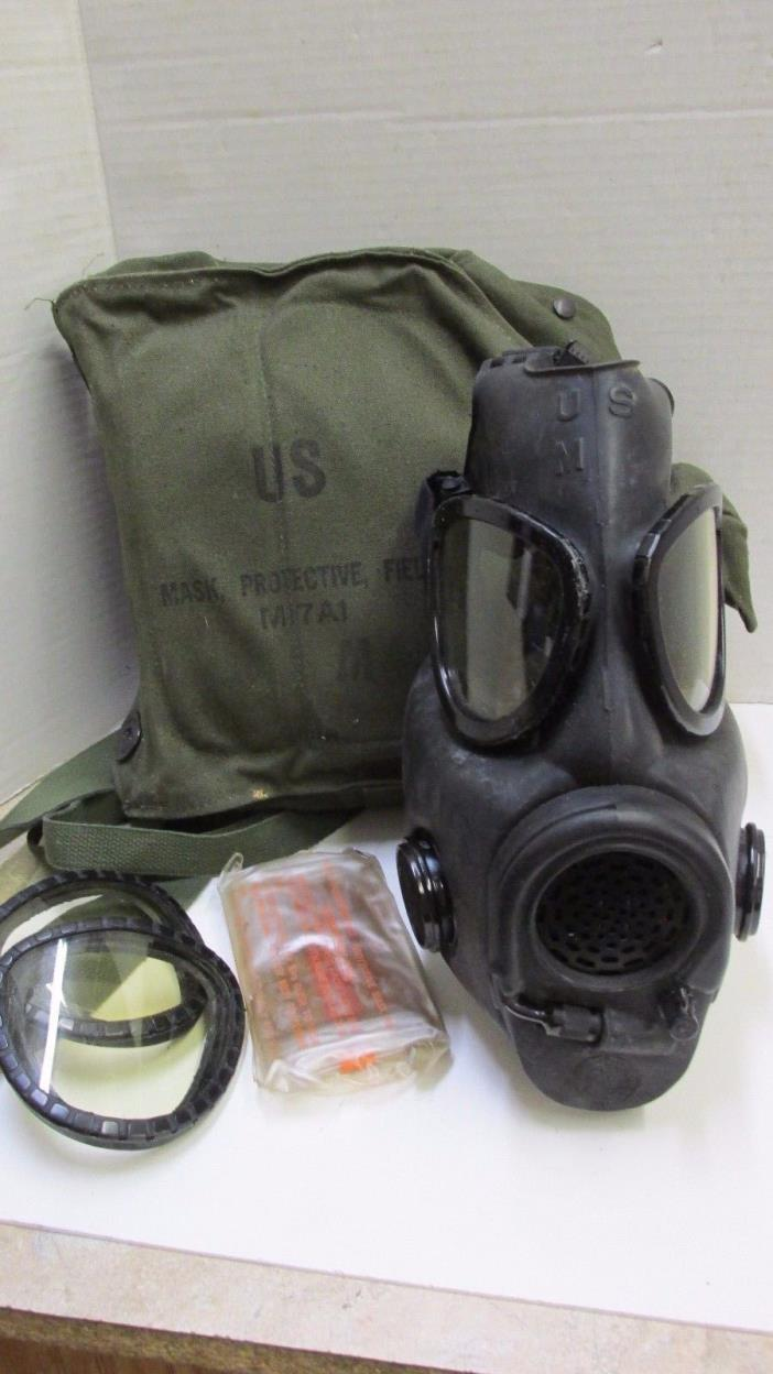 Vietnam Era US 1970 Dated M17A1 Gas Mask Resuscitation & Drinking Tube Carry Bag