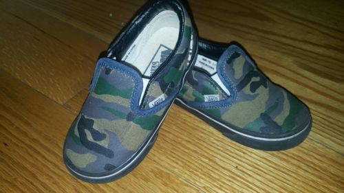 Toddler boys Vans slip on shoes, camo