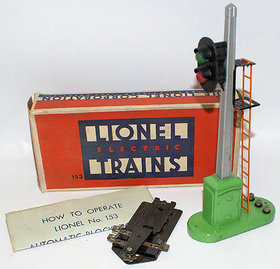 Vintage Postwar LIONEL Train 153 Automatic Block Signal and Control in Box!