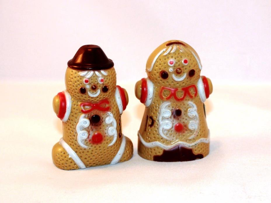 Gingerbread Man & Woman Salt & Pepper Shakers Vintage plastic