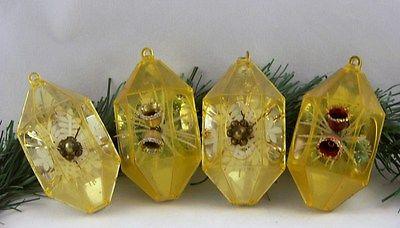 4 VINTAGE PLASTIC YELLOW GOLD JEWEL BRITE 3D DIORAMA CHRISTMAS ORNAMENTS HEXAGON
