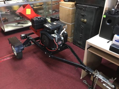 DR Chipper Road Towable 18 Hp I/C Twin Cylinder Briggs & Stratton.