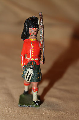 BRITAIN MARCHING SCOTTISH SOLDIER METAL TOY